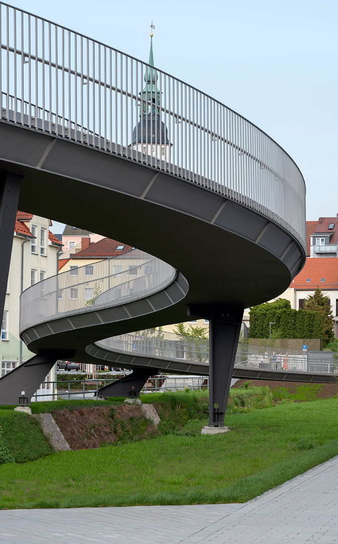 Rad- und Fußgängerbrücke 'die Schlange', Frankenberg | Sauerzapfe Architekten