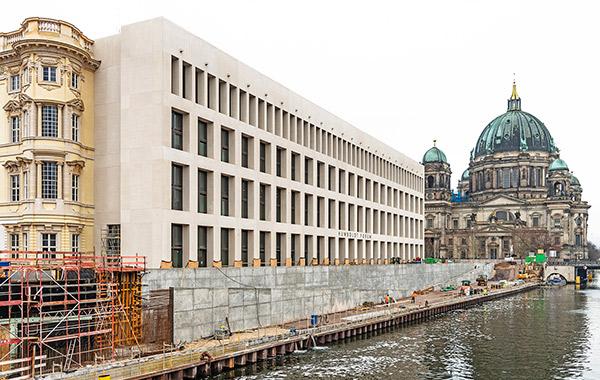Spreeterrasse Humboldt Forum, Berlin, Baustelle | Sauerzapfe Architekten